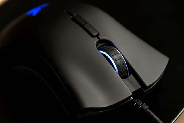 The scroll wheel - Razer Deathadder Elite