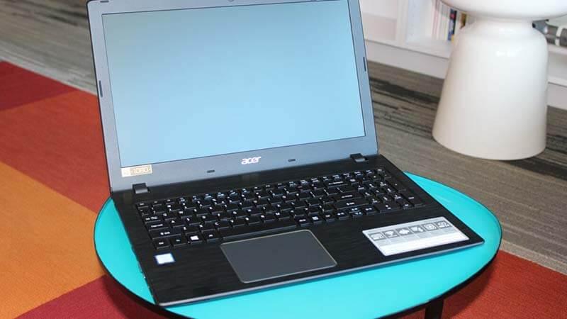 Acer Aspire E15 E5 576 392H Review Design