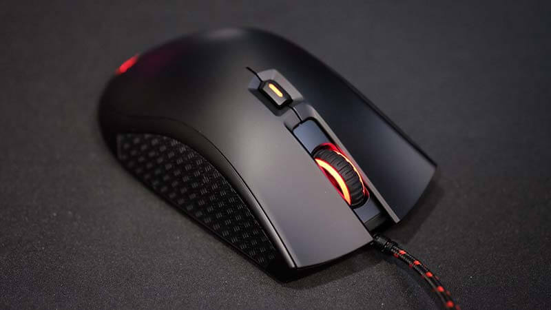 HyperX Pulsefire FPS The grip